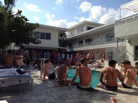 Royal Palms Resort & Spa: pool party