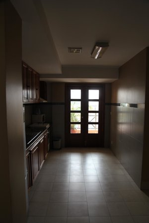 Lux Riverside Hotel & Apartments: Kitchen