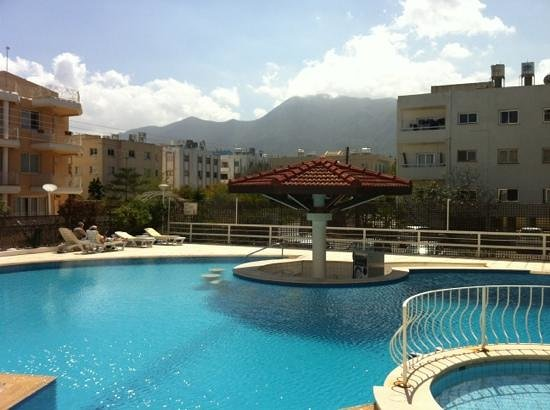 Sammy's Hotel: View from Pool