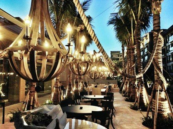 Mulia Villas: Soleil restaurant