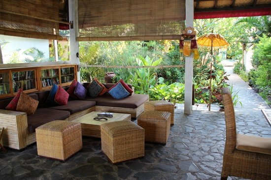 Cili Emas Oceanside Resort: Lounge