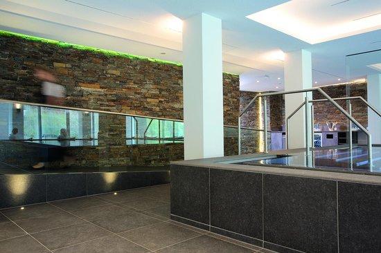 spa lounge im neuen haus kohlwald photo de hotel traube tonbach baiersbronn tripadvisor. Black Bedroom Furniture Sets. Home Design Ideas