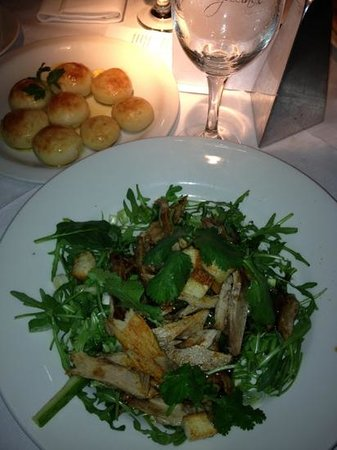 Croma : main- duck breast salad and dough balls