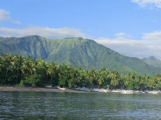 Cili Emas Oceanside Resort: Blick vom Meer
