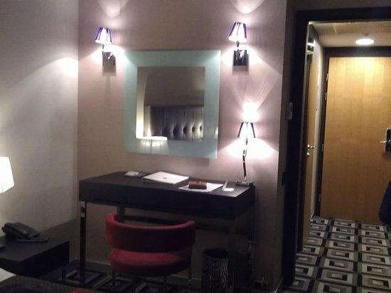 Belvedere Hotel: Zimmer (Schreibtisch)