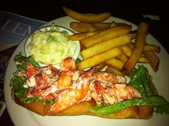 Beantown Pub: lobster roll