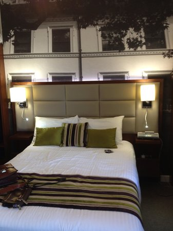 BEST WESTERN Seraphine Kensington Olympia Hotel: Lovely comfy bed