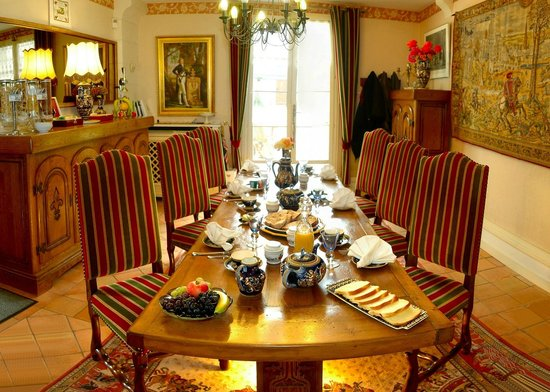 La Maison de l'Argentier du Roy : warm and rich breakfast