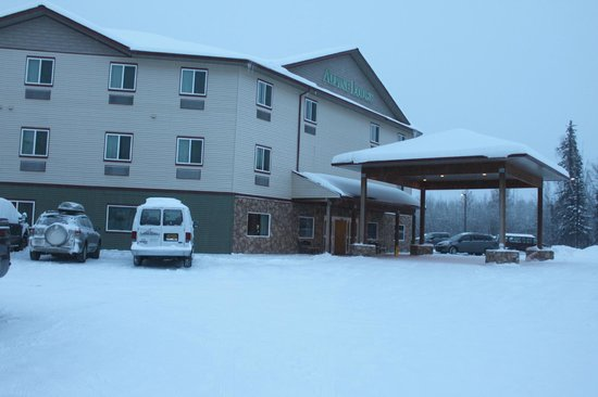 La Quinta Inn & Suites Fairbanks: I took a picture while waiting for the bus