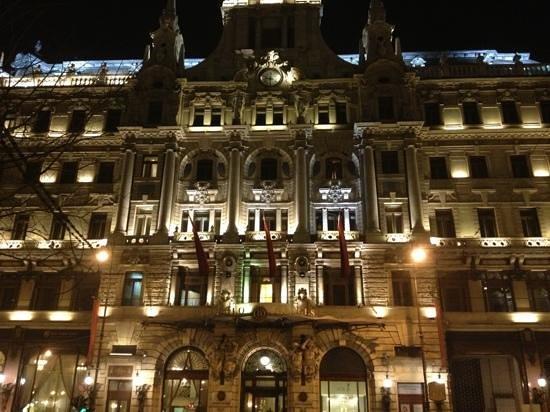 Boscolo Budapest, Autograph Collection: façade de l'hôtel