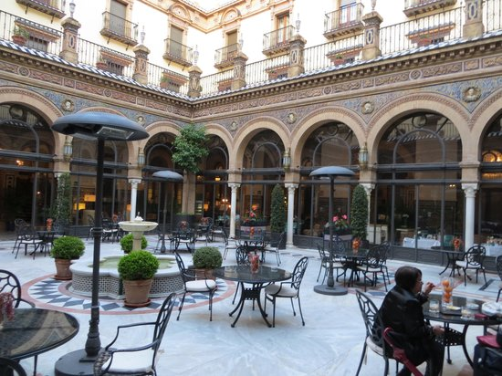 Hotel Alfonso XIII, A Luxury Collection Hotel, Seville: center open place