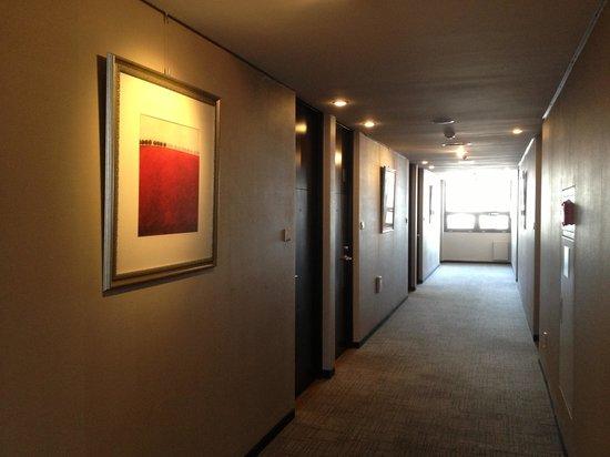 Doulos Hotel: Corridor