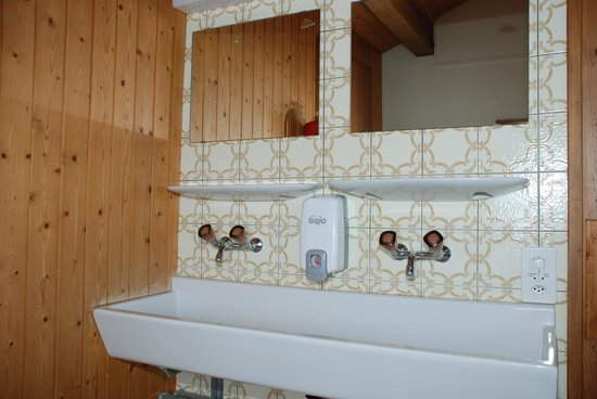 Pension Sonnenberg: Waschbecken Mehrbettzimmer