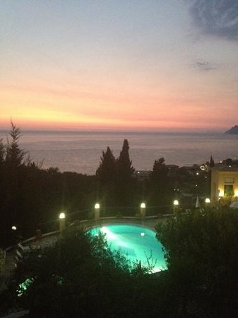 Dina's Paradise Hotel & Apartments: our balcony view at sunset!