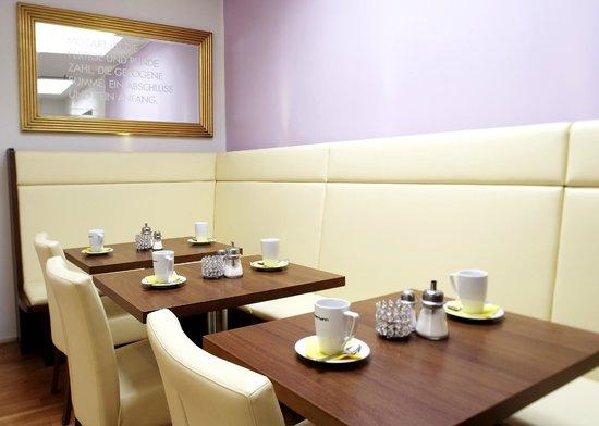 Hotel Jedermann: Frühstücksraum