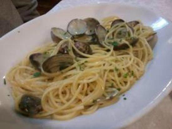 La Risacca: spaghetti alle vongole