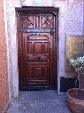 Riad Elnoujoum : Entrance to Riad