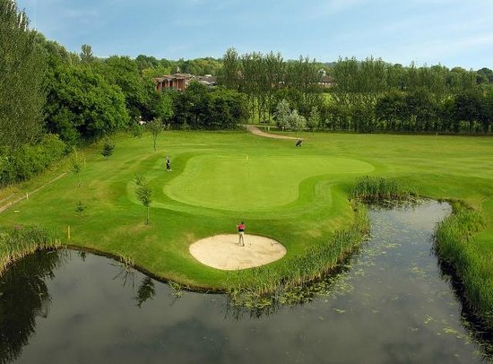 Lea Marston Golf Centre: marston lakes golf course 2nd hole