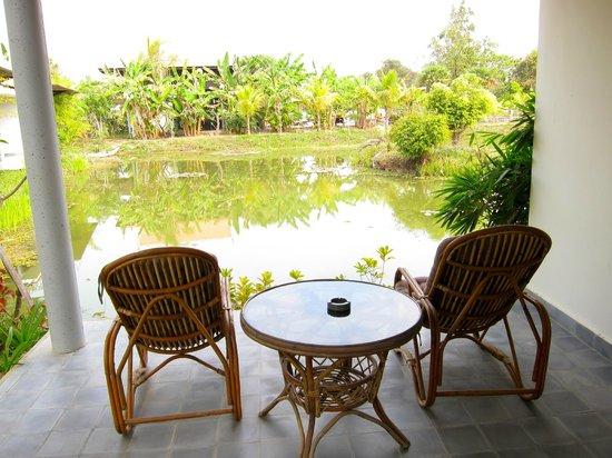 Battambang Resort: The lake