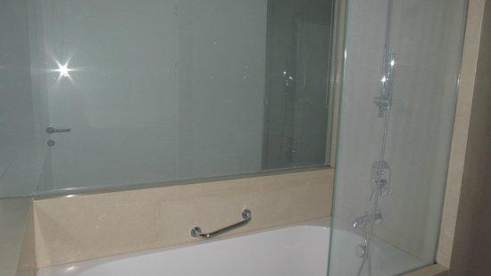 Rixos Hotel Libertas: Douche ''style pluie''