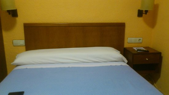 Pension Alcazaba: Habitacion