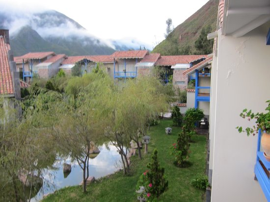 Aranwa Sacred Valley Hotel & Wellness: One pathway in the complex