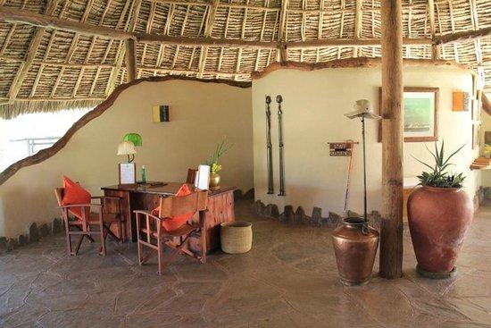Tortilis Camp: Lobby