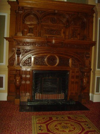 The Majestic Hotel: feature fireplace. Very regal!!
