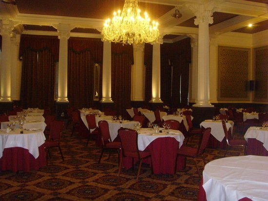 The Majestic Hotel: dining room