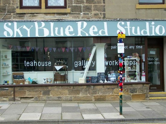 Guisborough, UK: SkyBlueRed Studio