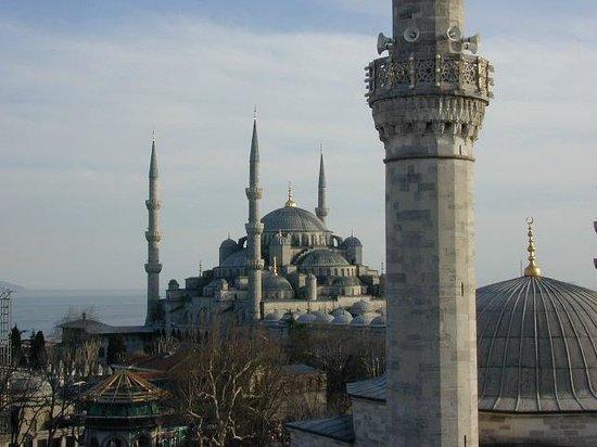 Ambassador Hotel: Blick von Dachterrasse Richtung Blaue Moschee