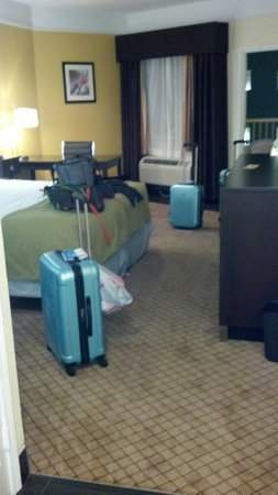 Best Western Galveston West Beach Hotel: room from balcony looking at hallway door