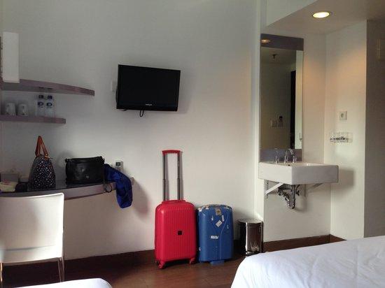 Amaris Hotel Cimanuk: Room interior