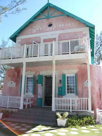 Governor's Harbour, Eleuthera : Haynes Library - opened 1897