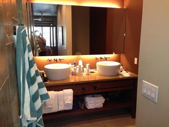 WorldMark Phoenix - South Mountain Preserve: master bath