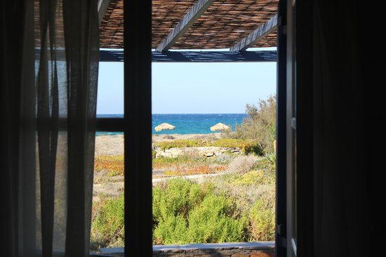 Villa Marandi Luxury Suites: View of the beach from our room