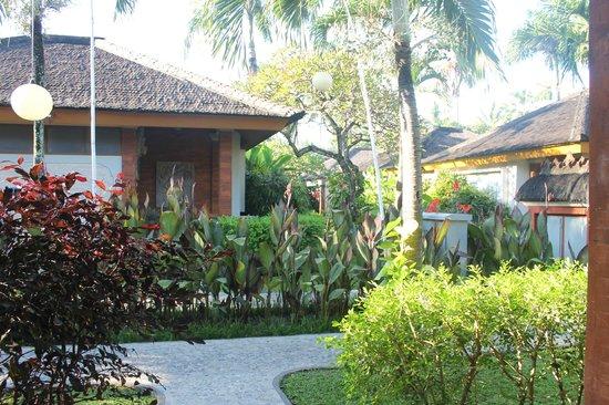 Bali Mandira Beach Resort & Spa: Bungalowanlage