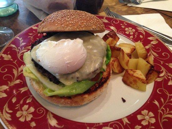 Refeel: Bacon and egg Cheesburger