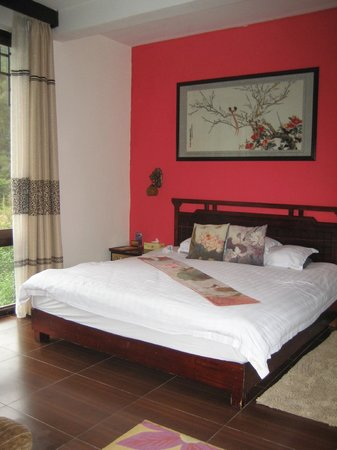 Li River Resort: The room had a real sense of style - simple but gracious