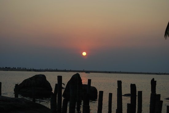 Poovar Island Resort: Sunset from the Resort