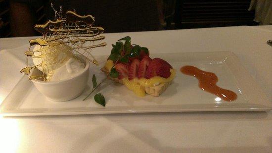 Restaurant Mystique: Lemon Curd Tart with Strawberries