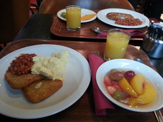 Harcourt Hotel : lovely choice at breakfast