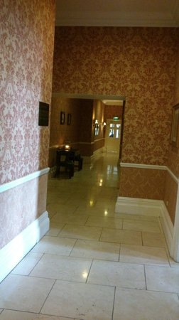 Faithlegg House Hotel & Golf Resort: Candlelit corridors, very atmospheric