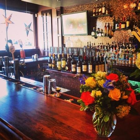 Bistro 162: Bar area