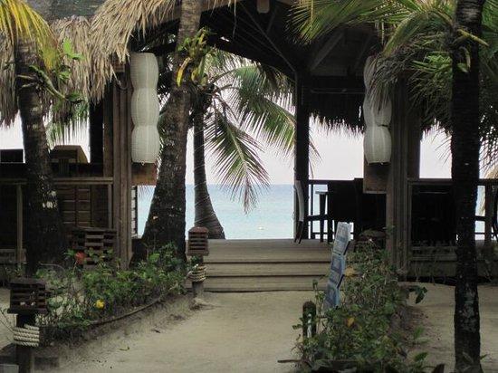 Paradise Beach Hotel: Beach Bar