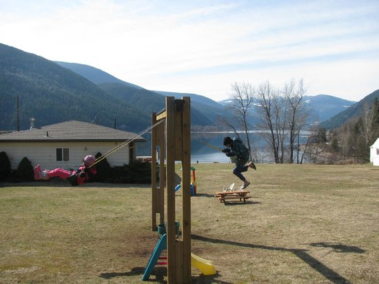 Kokanee Glacier Resort: Playground