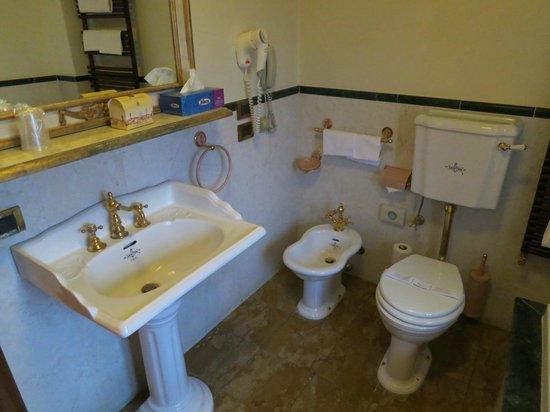 Hotel Palazzo Alexander: Bathroom
