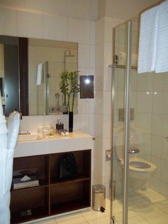 InterContinental Paris-Avenue Marceau: Bathroom