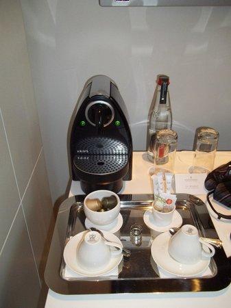 InterContinental Paris-Avenue Marceau: Espresso Machine