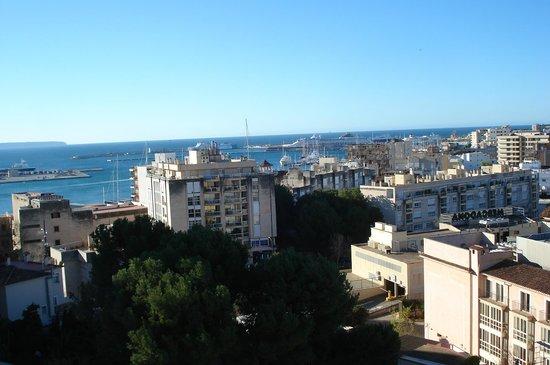 Vista desde la habitaci n picture of hotel isla mallorca - Spas palma de mallorca ...